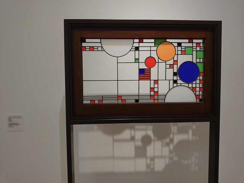 アヴェリー・クーンレイ・プレイハウスの窓ガラス